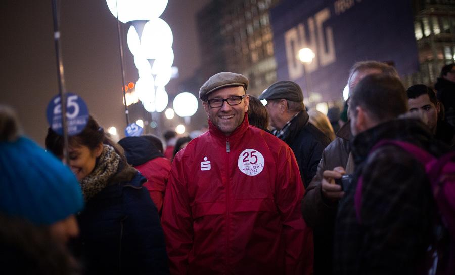Es war mir eine Ehre, als Ballonpate an dieser beeindruckenden Aktion teilnehmen zu dürfen. (Foto: Tobias Koch)