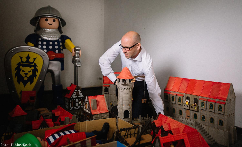 Viel Zeit zum Spielen wird während des Praktikums beim Spielzeughersteller sicher nicht bleiben. / Foto: Tobias Koch