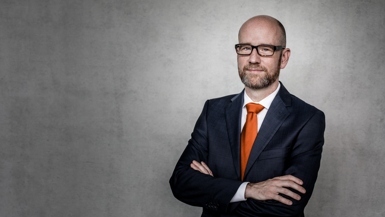 Peter Tauber am 19.10.16 in Berlin im Deutschen Bundestag. / Fotograf: Tobias Koch (www.tobiaskoch.net)